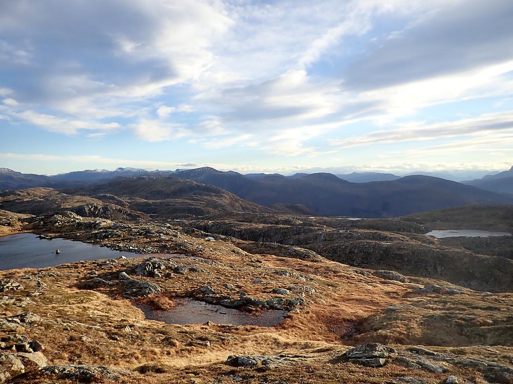 Fra Staurdalsegga med tilbakeblikk mot Dua og Blåfjellet.