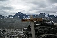 Då er eg på toppen av Storelgvasshøe! Fin utsikt mot Høgronden og Midtronden i bakgrunnen.