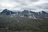 Fin utsikt mot sør, frå toppen av Storelgvasshøe. Ser mot Høgronden (t.v.), Midtronden og Digerronden.