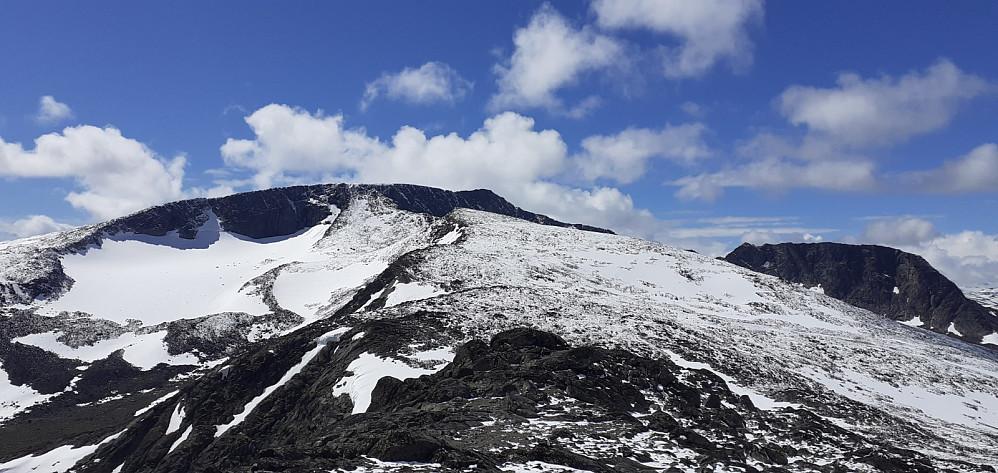 Fra Bukkehåmåren mot Kvassryggen og Høgdebrotet. Håper ikke snøen gir meg problemer