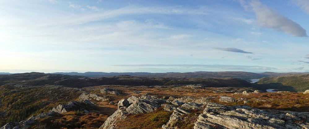 Panorama mot nord-vest...........