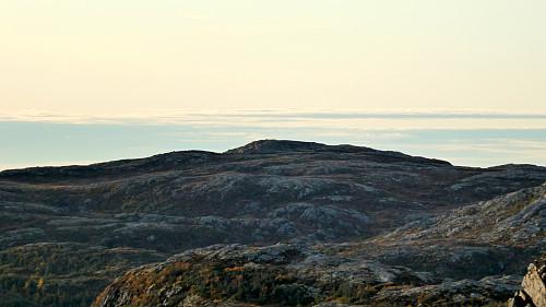 Toppen Vest for Agnetliheia 467 moh.
