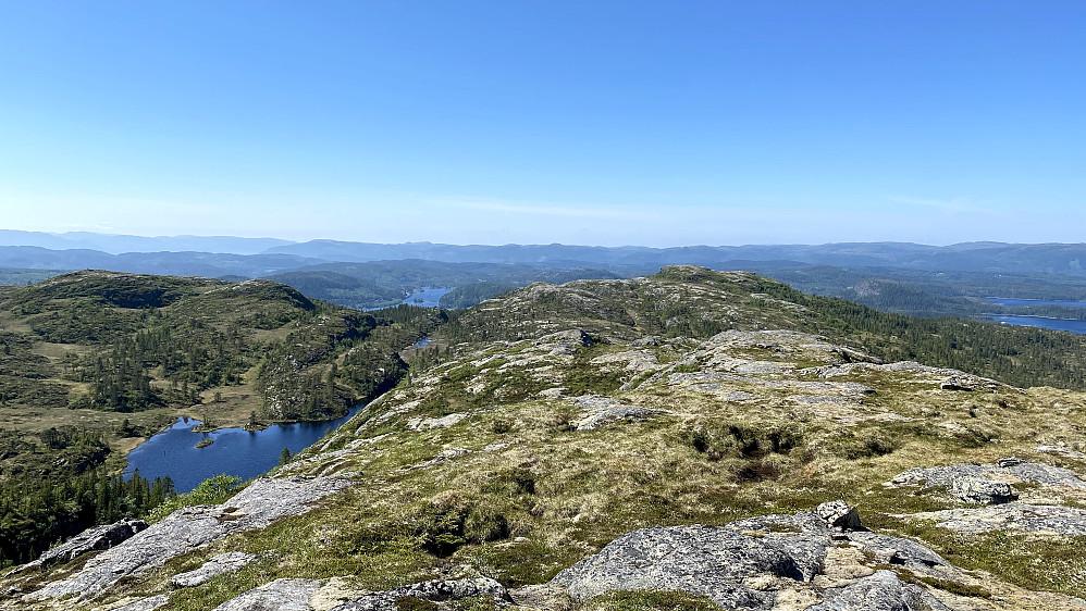 Gammeldammen og utsikt mot Rotaheia.