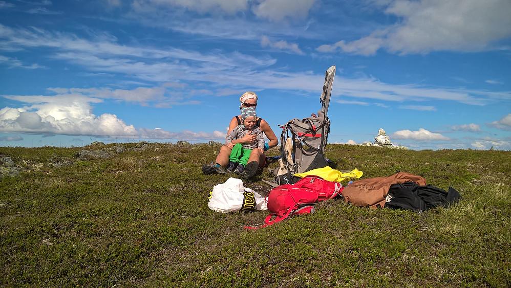 Lise og Vinjar på Snarketinden.