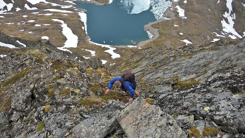 Mykje spennande klyving og veivalg mot Litlehornet. Retur la vi rett ned rennesystema.