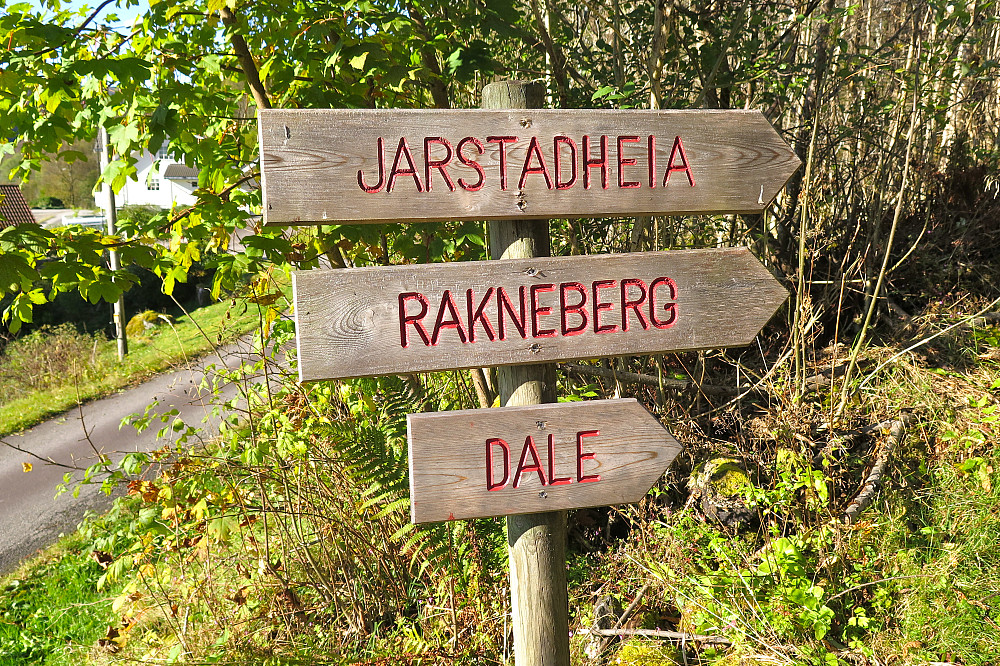 Merking frå Haugland mot Jarstadheia.