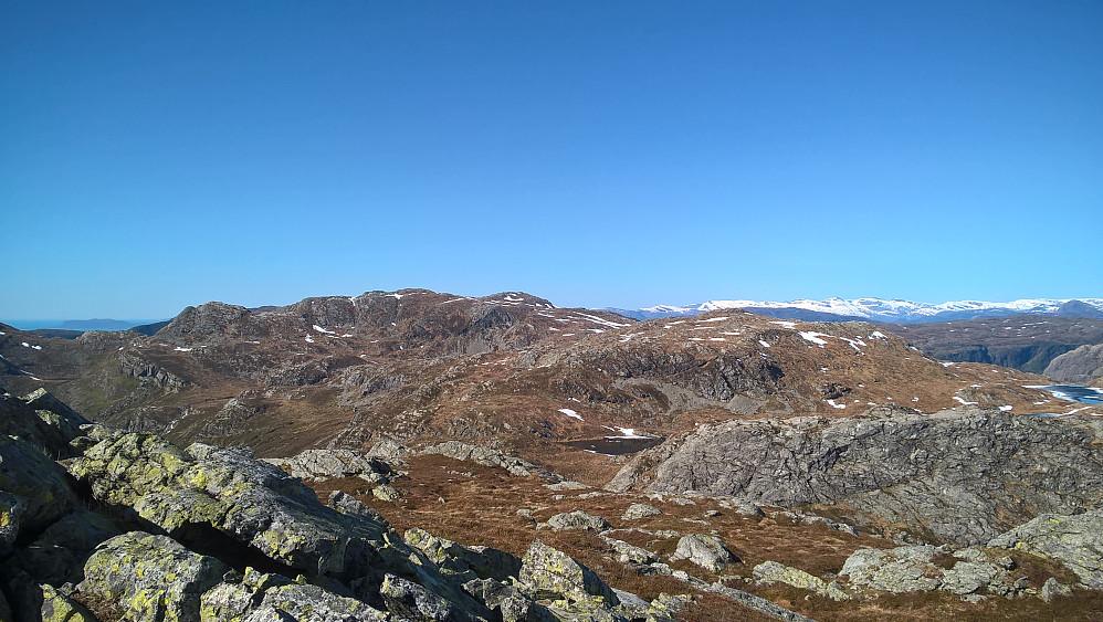 Frå Blåfjellstua nordover mot Hekkelfjellet og Skålefjellet.