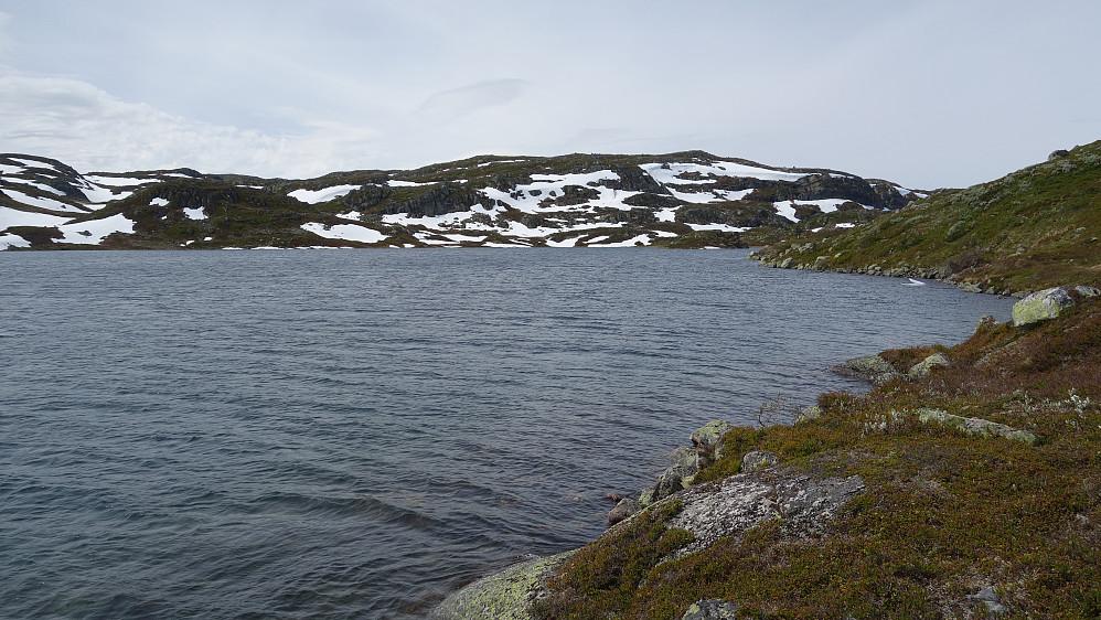 Og mer Midtre Gjuvvatnet.