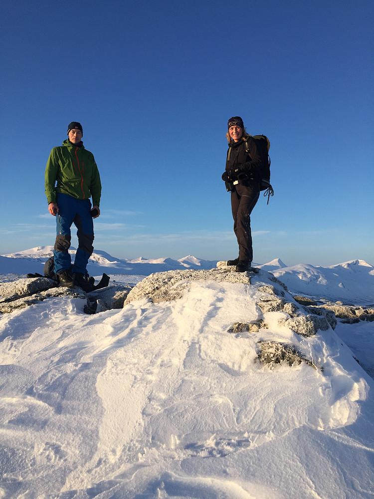 Jan Petter og Janne på toppen av første Grønhøa.