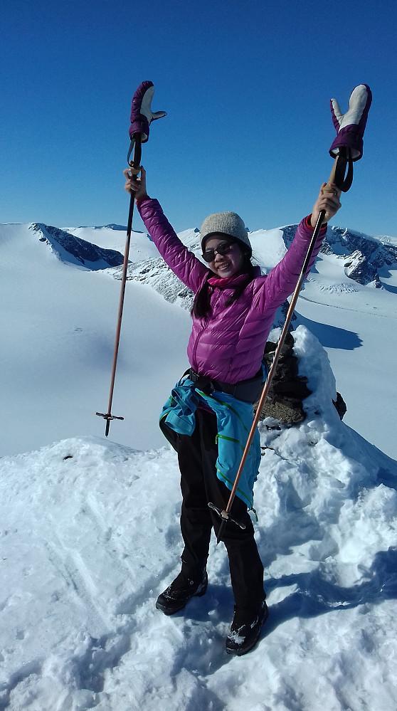 Jublende glad Linn-Therese på toppen! :)