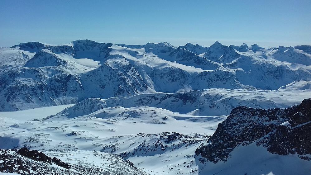 Jotunheimens flotteste fjellkjede utenfor Hurrungane. Og mitt favorittrike i heimen...