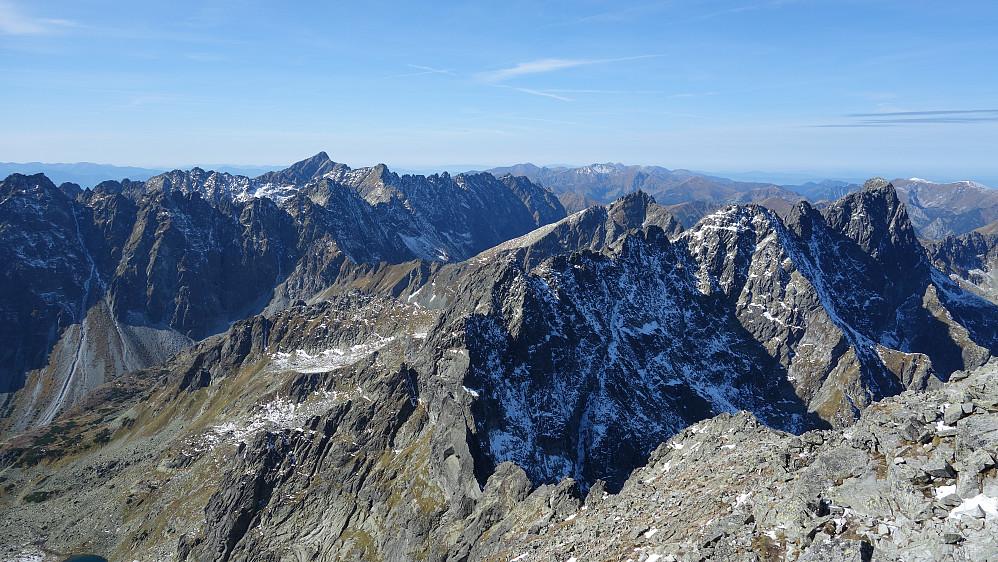 Vestover Tatra. Må lære meg hva enkelte av disse fjella heter.