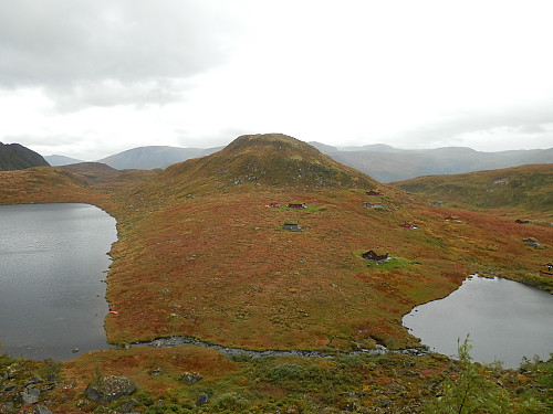 Hyttefelt sør for Trongedalsvatnet. Ser austover mot 658-toppen.