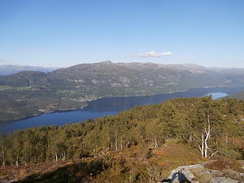 Hylsfjorden og Vanvik og Skorvenuten på andre sida.
