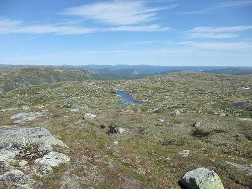 Aust-nordaust med Løefjell omtrent midt i bildet.