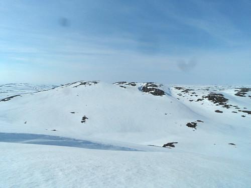 Mot 1174-toppen med hovedtoppen såvidt skjult bak sørlig fortopp.