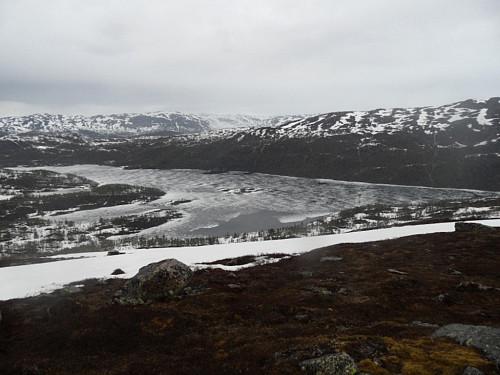 Frå Løyningsheii med utsyn nordover etter at uværet hadde passert. Ser Torvikvatnet.