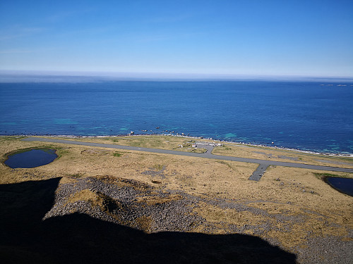 Den nedlagte flyplassen frå Kalvskaret