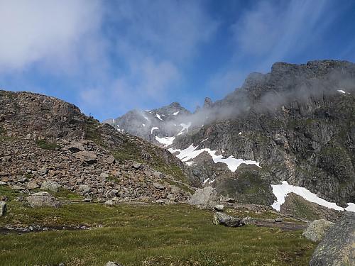 Møysalen og Møyane dukkar opp