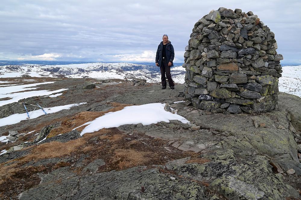 Øyvind på toppen av Nystølvarden (1295).