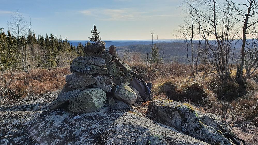 Toppvarden på Høymyrpynt (379).