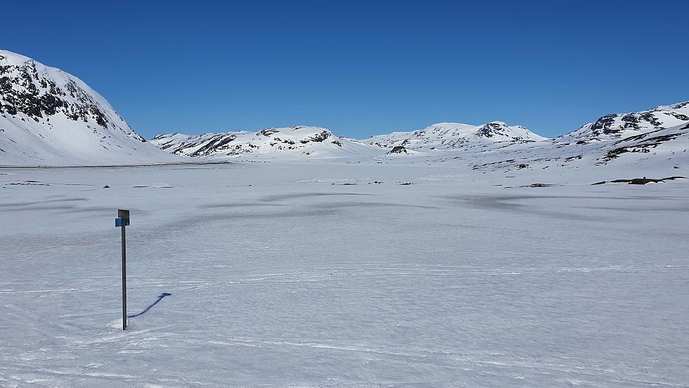Nordover mot Eldrevatnet i starten av turen.
