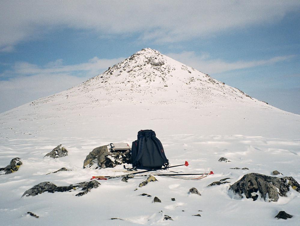 17.04.1999 - Stornubben (2174) sett fra Sørvestnubben (2098).
