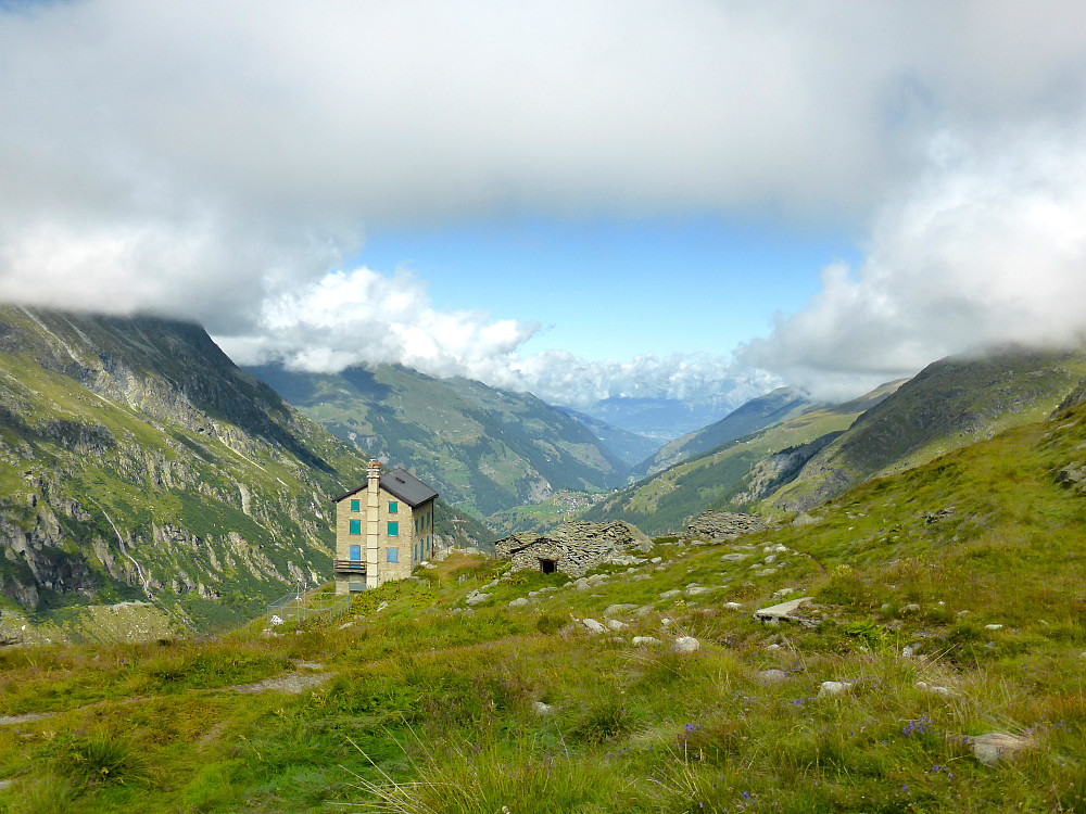 View back down the valley from the walk up to the Cabane de la Dent Blanche