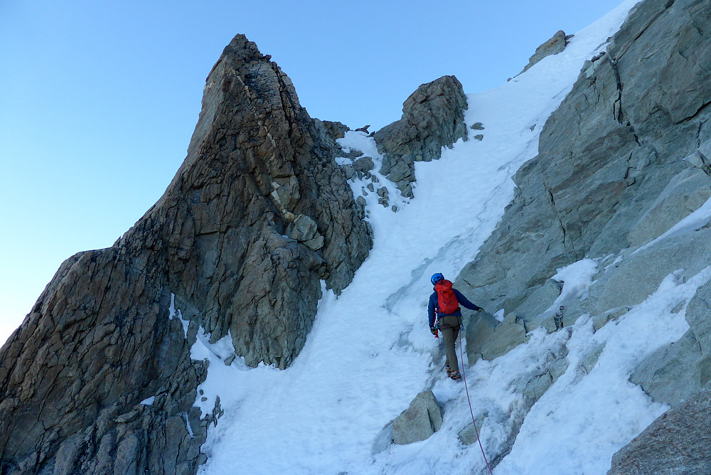 Approaching the snow gully behind the Grand Gendarme