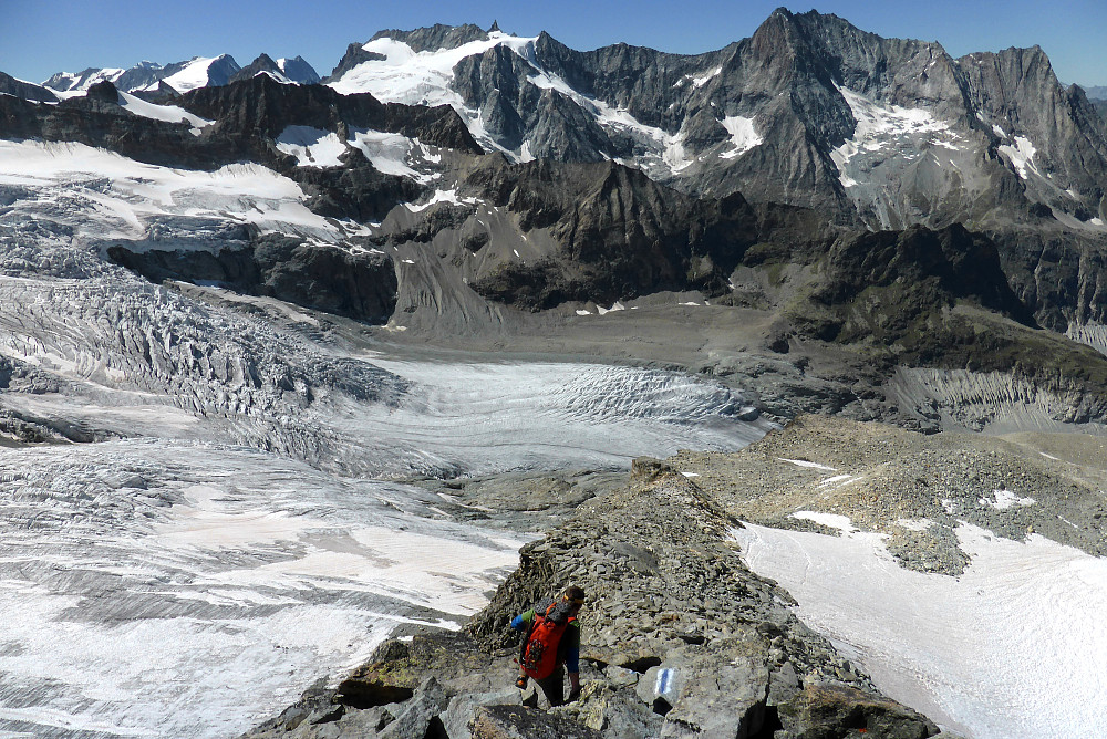 Descent from the Dent Blanche hut back down to the valley