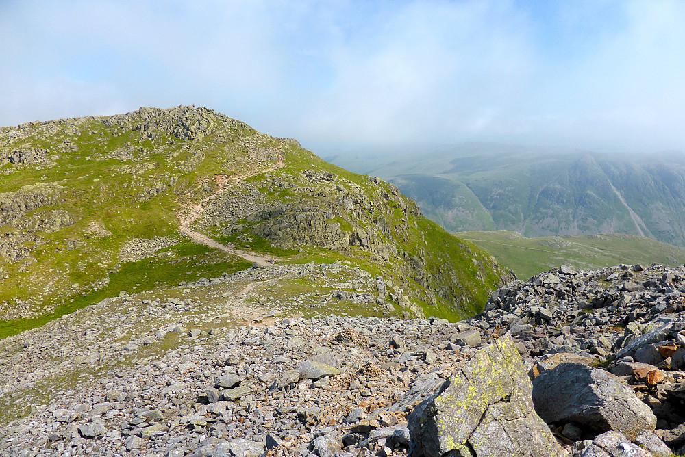 Stien som går over Shelter Crags