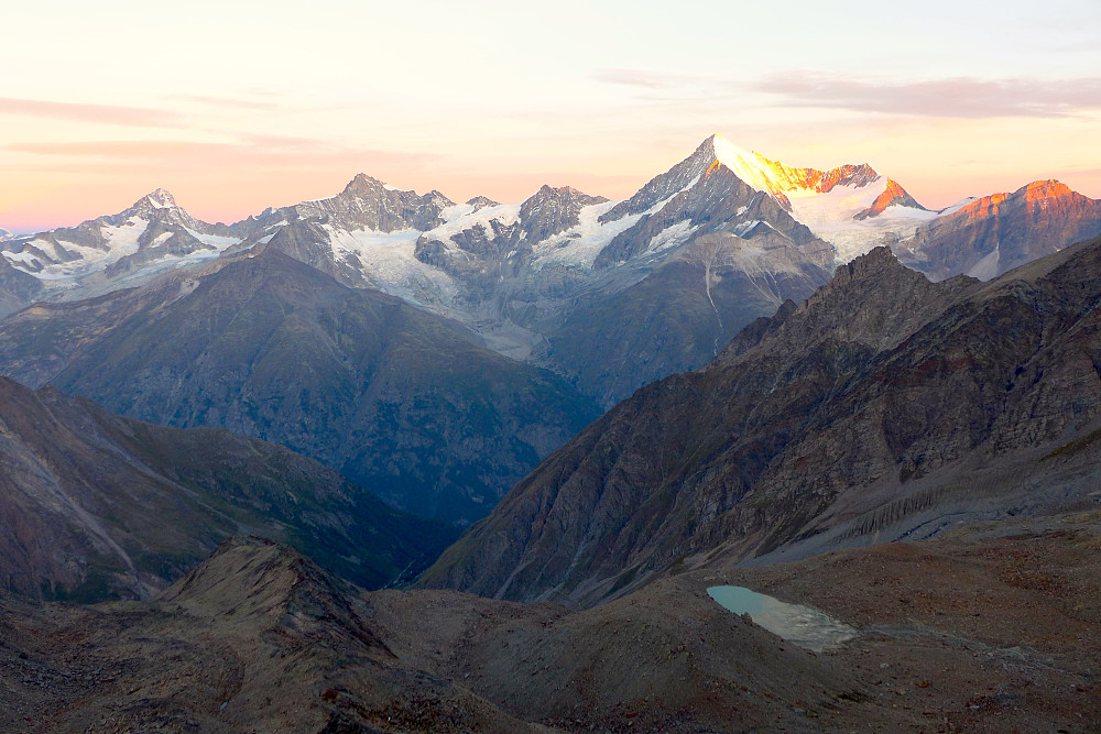 First rays of sun on the Weisshorn!