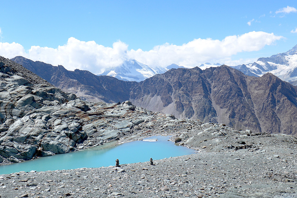 A random glacial lake on the way down to the hut