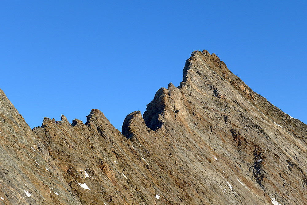 The ridge between the Lenzspitze and Nadelhorn