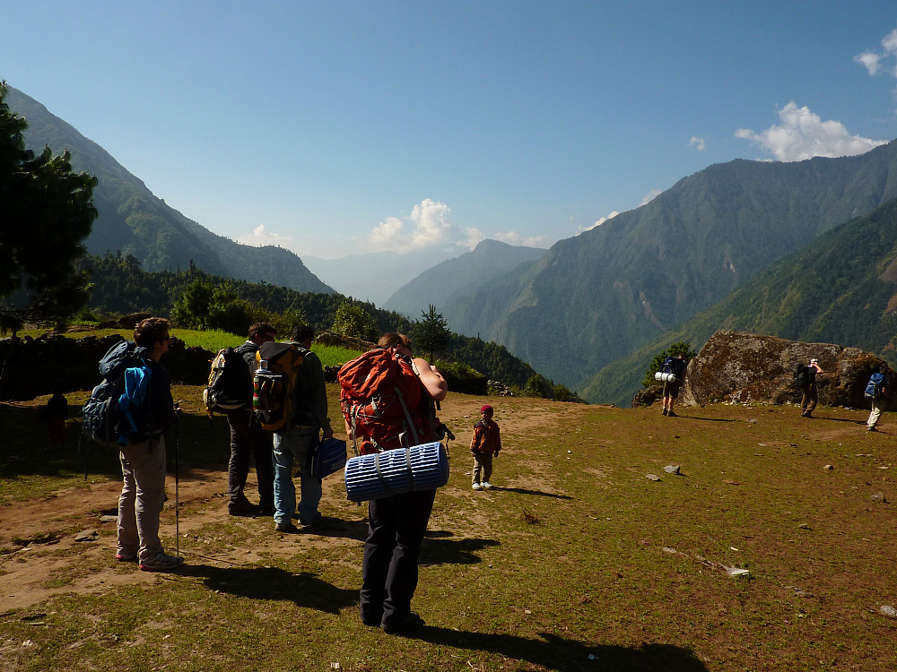 All set for the walk from Lukla to Poyan