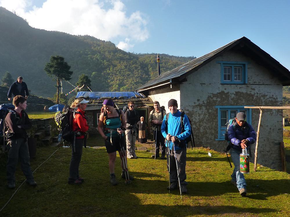 Leaving Pangkongma under blue sunny skies
