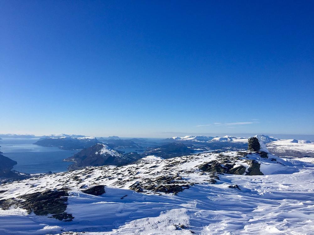 Over Tovardane mot Snaufjellet