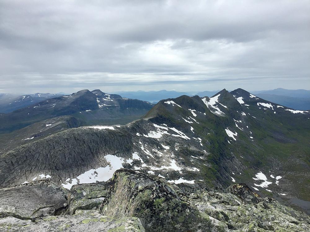 Trollhøtta 1328 og bakover mot resten av traversen