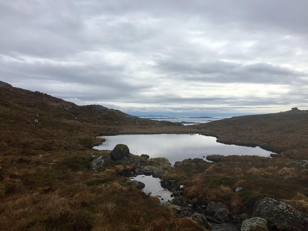 Returen fra Skrevarden sørover og i retning skaret mot Skålefjell