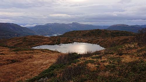 Fotaretjørna from the descent. Våganipen in the backgroud.