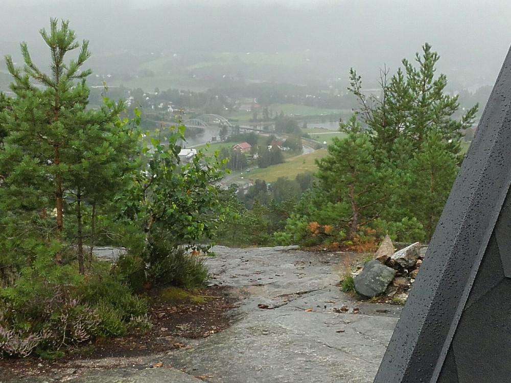 Gapahuken med utsikt mot Lunde sentrum