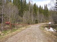 Veien mot Bergvatnet er stengt med bom nord for Hågssetran