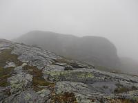 Kjerringfjellet i tåke
