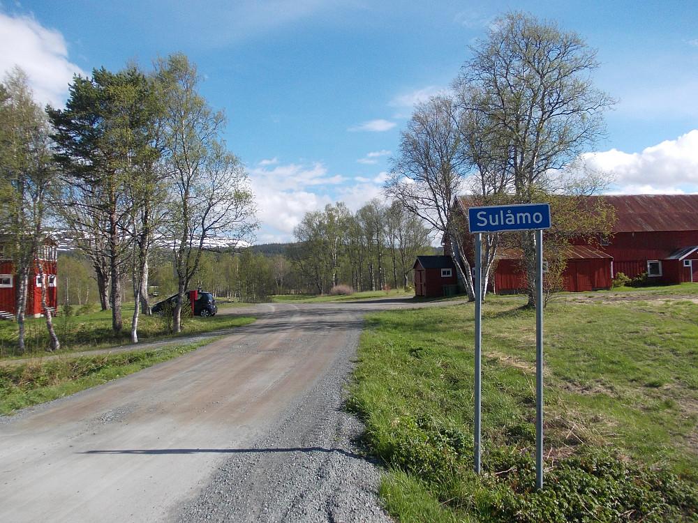 Parkering ved vakre Sulåmo