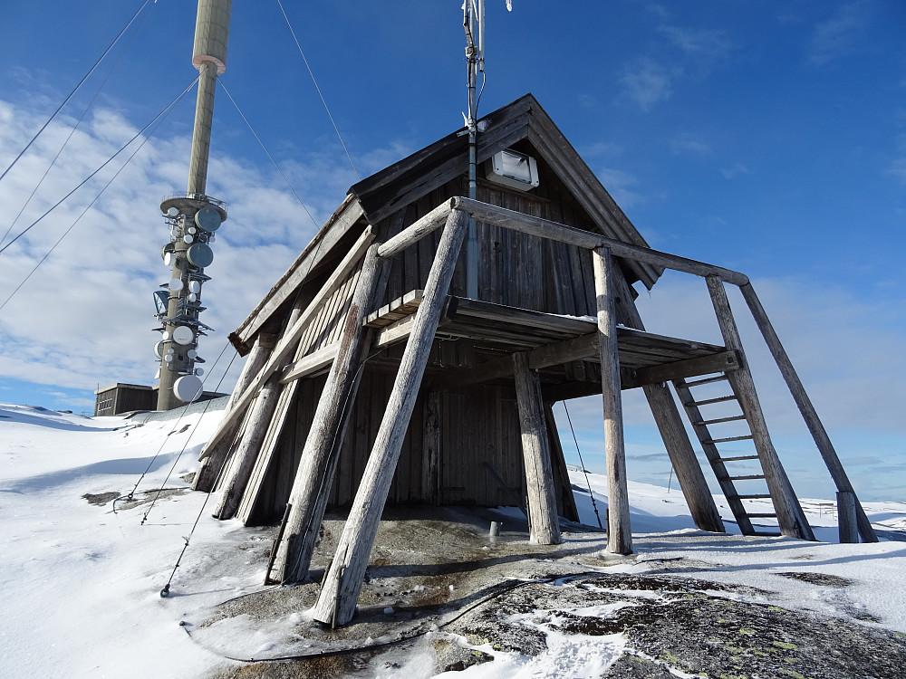 Artig bygning på toppen av Geitfjellsenderen