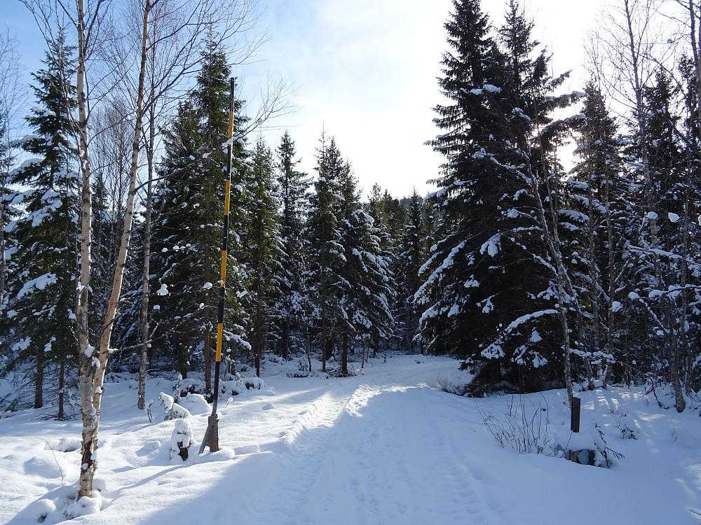 Bom ved innkjøringen til Rossetvatnet