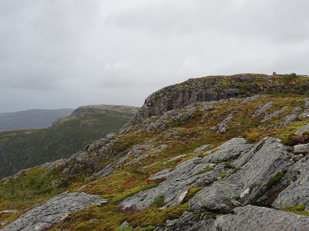 Høyeste punkt på Kalvstrandklumpen øverst til høyre