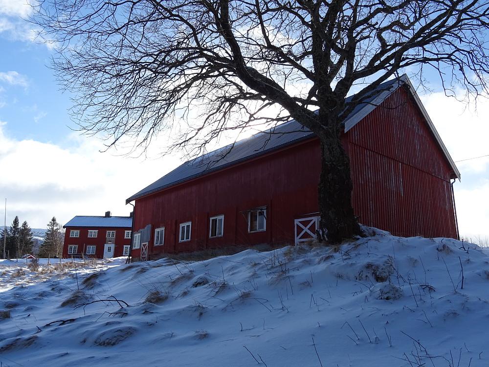 Fjøset på fremmergården på Leisåk