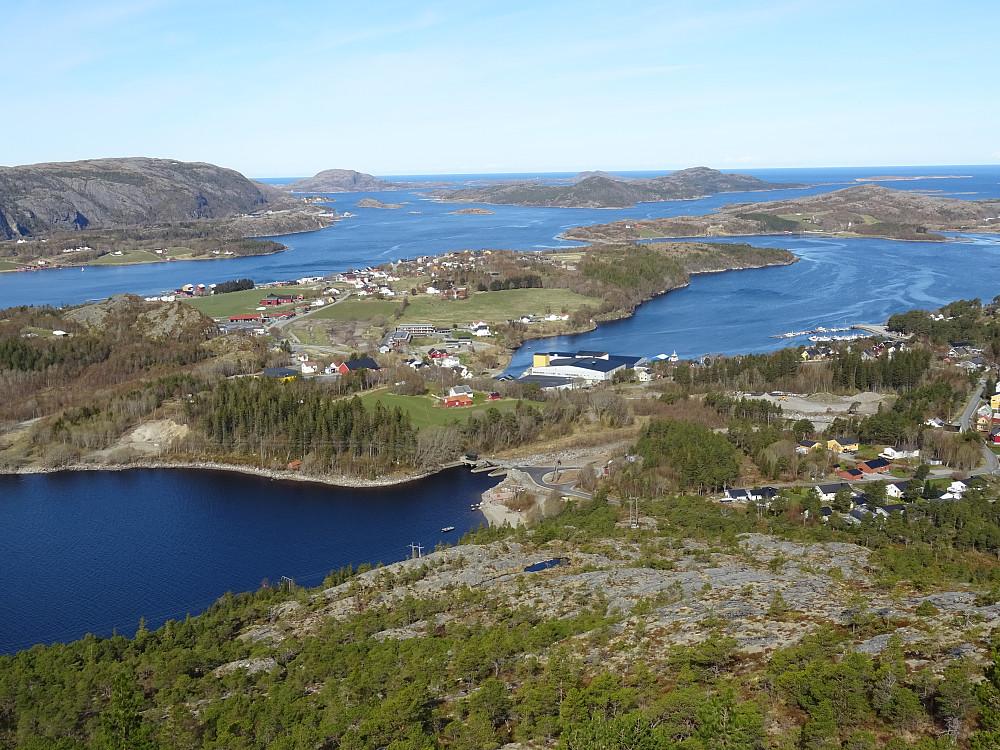 Utsikt fra Brennfjellet mot Lauvsnes