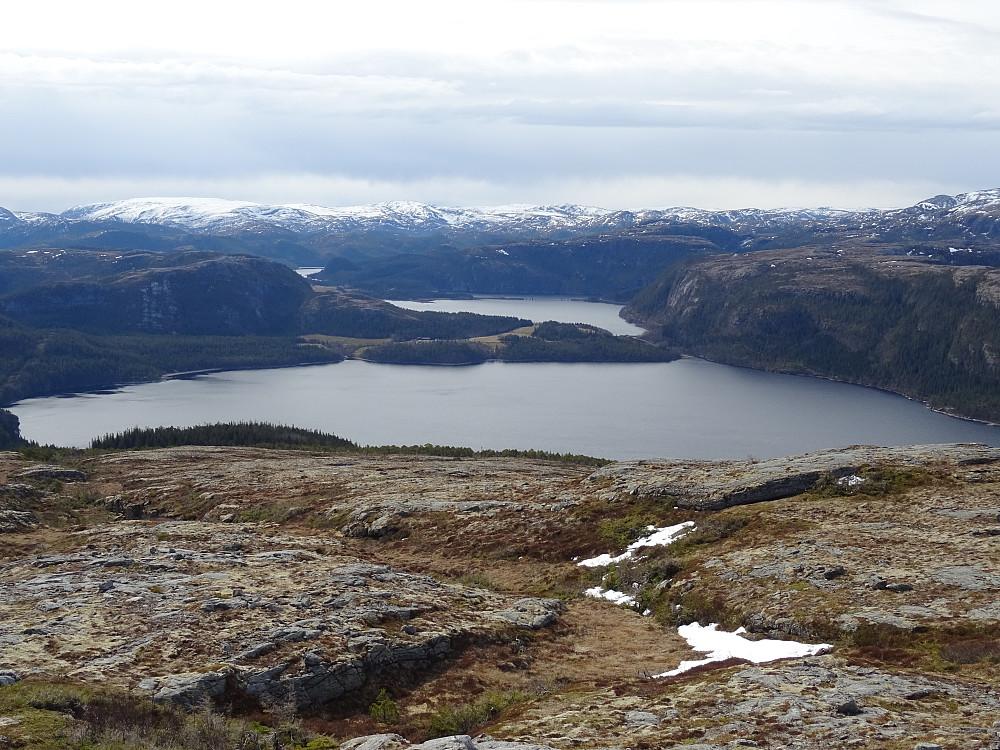 Utsikt fra Brennfjellet mot Skjelde